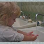 Конспект НОД по воспитанию к.г.н.  у детей 1 мл. гр. «Купание куклы Зины»